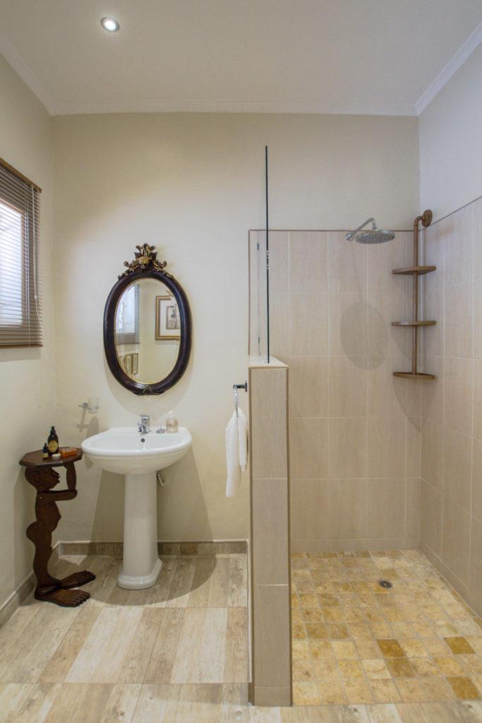 Ensuite Bathroom Nguni Lodge at Victoria Falls